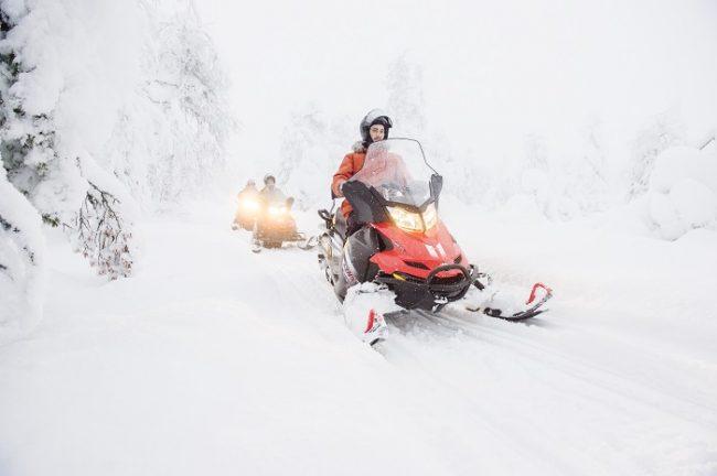 Safari con moto de nieve en Pyhä