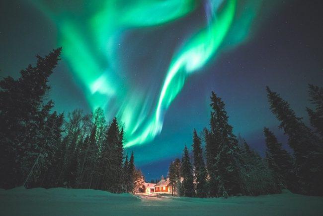 Aurora Boreal cubriendo el cielo de Ylläs