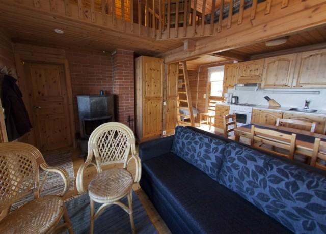 Detalle de la cabaña con sauna en Inari donde se puede observar el altillo