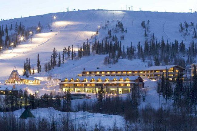 El Hotel Lapland Olos se encuentra a píe de las pistas de esquí