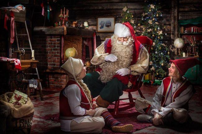 Papá Noel y sus elfos en Santa Park