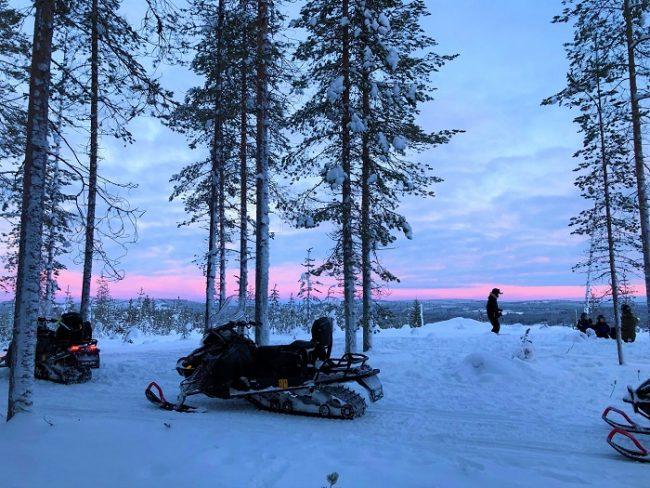 Las motos de nieve eléctricas nos llevarán a cualquier rincón de Laponia