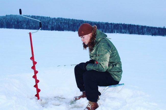 La pesca en el hielo es algo muy típico de Laponia