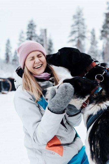 Los perros husky son muy dóciles y les encanta hacer amigos