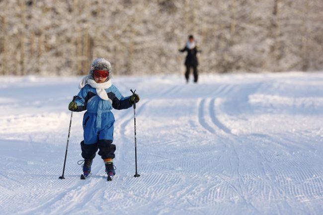 En Finlandia los más pequeños empiezan a esquiar muy pronto