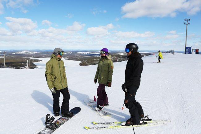 En la estación de esquí de Pyhä se puede esquiar con tranquilidad sin hacer cola en los remontes
