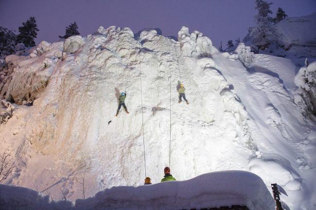 Entre otras actividades en Pyhä es posible practicar la escalada en hielo