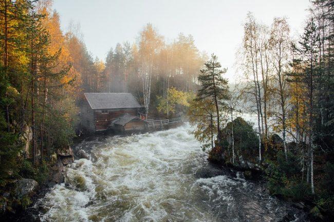 Los rápidos de Myllykoski en el camino del Pieni Karhunkierros
