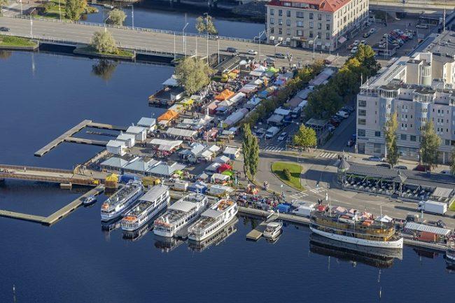 La plaza del mercado de Savonlinna
