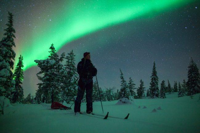Aurora Boreal durante una travesía de esquí