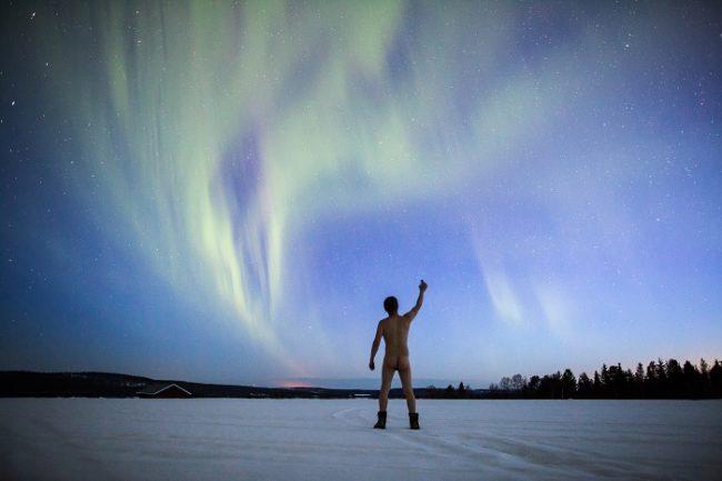 La Aurora Boreal y un señor desnudo