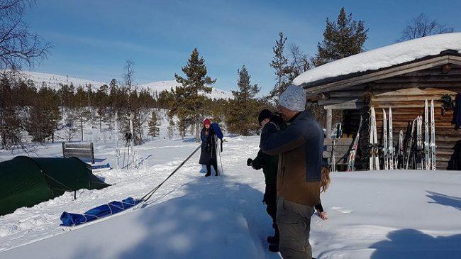 Primavera es el mejor momento para disfrutar de una buena travesía con equís en el Parque Nacional de Urho Kekkonen
