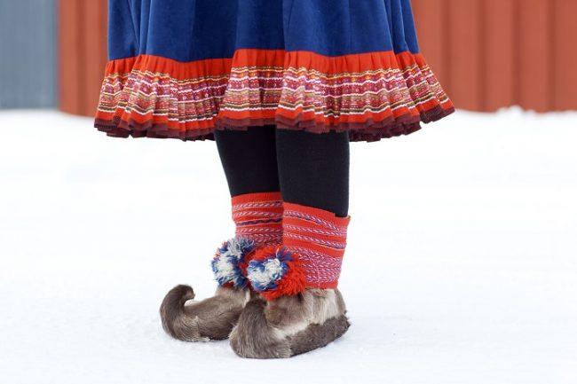 Detalle de un vestido tradicional Sami