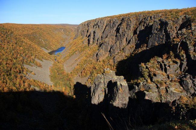 El cañón del río Kevo en otoño