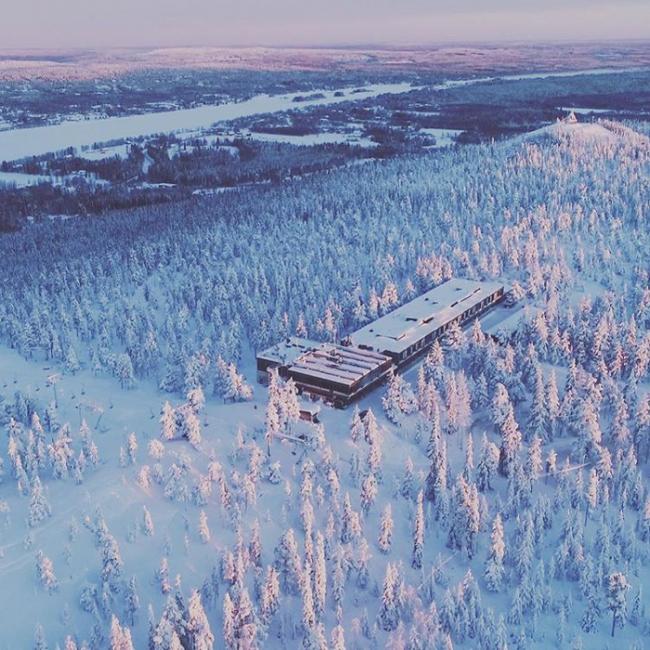 Vista aérea del hotel y restaurante Sky Ounasvaara en Rovaniemi