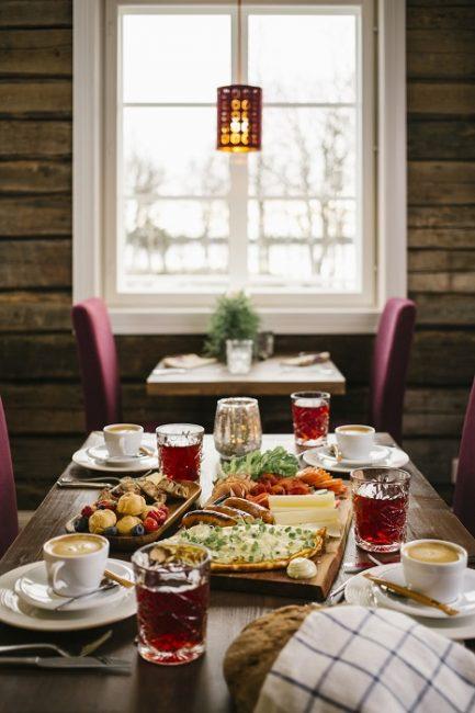 Desayuno en el restaurante Aurora Estate