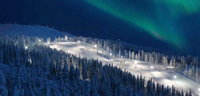 Estación de esquí de Levi y la Aurora Boreal