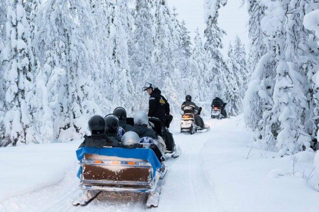 Safari con moto de nieve en Ranua