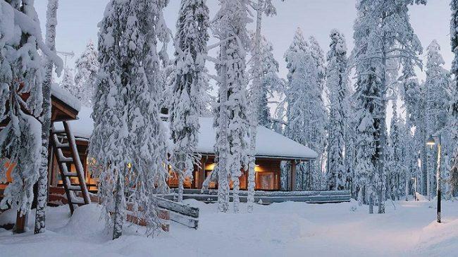Centro de visitantes del Parque Nacional de Syöte en invierno