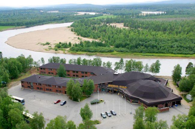 El hotel Ivalo en verano