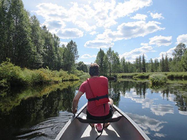Navengando por el río Pärjänjoki, en el Parque Nacional de Syöte