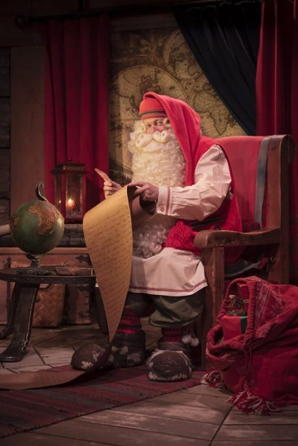 Papá Noel en su oficina