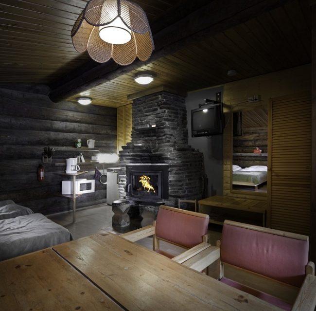 Detalle interior de las cabañas del hotel Äkäshotelli en Äkäslompolo