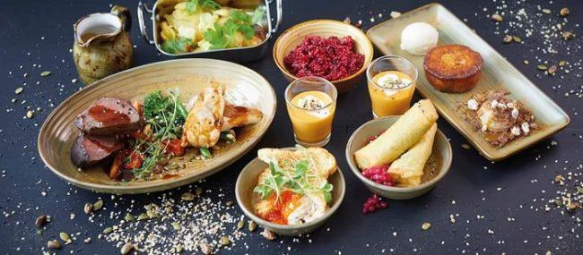 En el restaurante Frans & Chérie de Rovaniemi podemos encontrar platos de cocina internacional y local