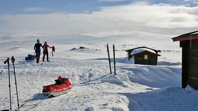 Llegando a unos refugios del Espacio Natural Protegido de Käsivarsi