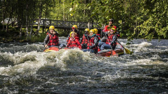 Rafting para toda la familia en el río Kitka