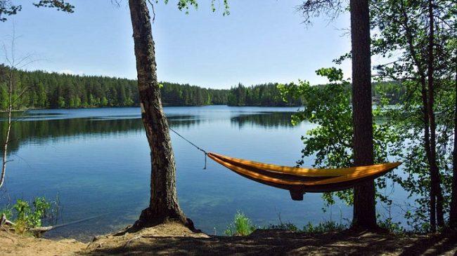 El lago Saarinen en el Parque Nacional de Rokua