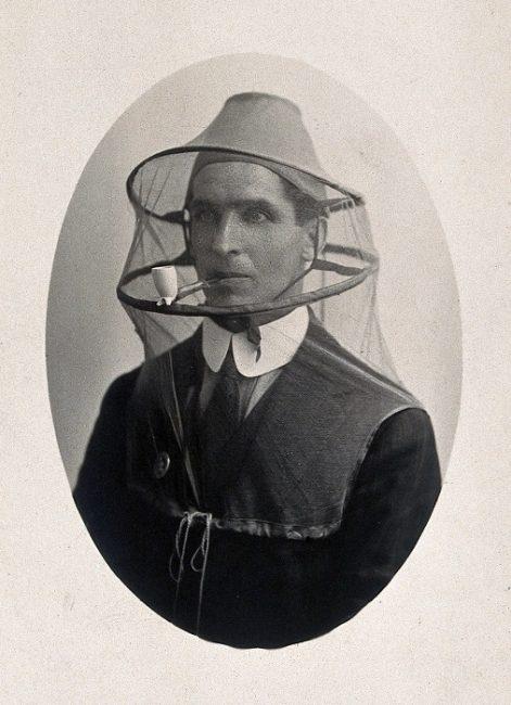 Las redes anti-mosquito, como se aprecia en la foto, no son algo nuevo