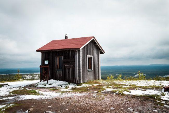 Refugio libre en Valtavaara en el camino del Karhunkierros