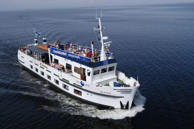 El buque Jenny nos lleva a la isla de Tankar en una travesía de 1.5 horas