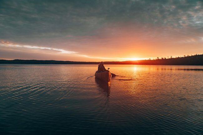 La canoa también es un buen medio para hacer excursiones entre las islas del archipiélago