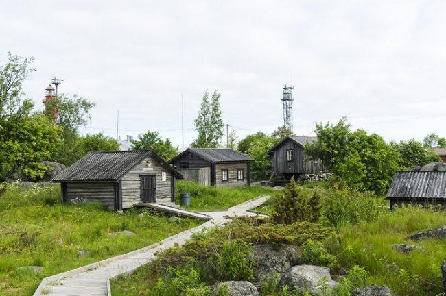 Las viejas cabañas de la isla de Tankar reflejan la vida de los moradores de antaño