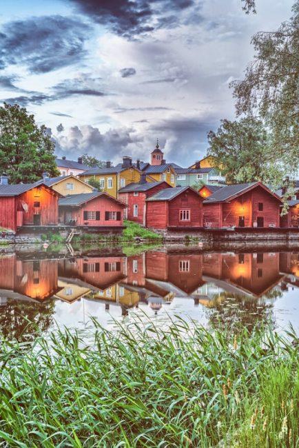 Las casas rojas del barrio antiguo de la ciudad de Porvoo