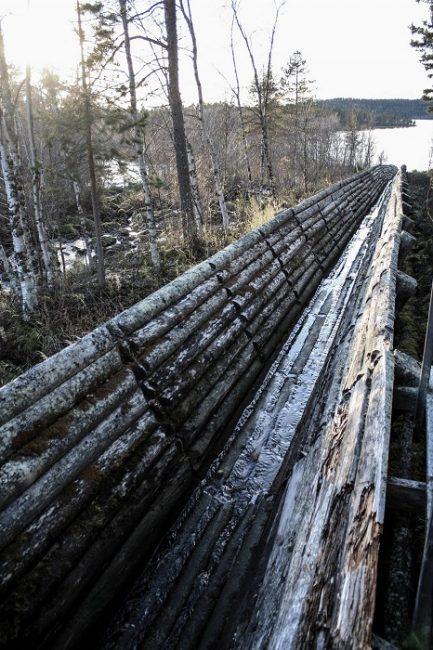 El canal de troncos de Nellim