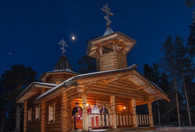 La iglesia ortodoxa de San Tryphon de Pechenga en Nellim