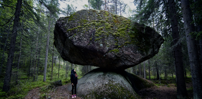Kummakivi. La Piedra Rara de Finlandia