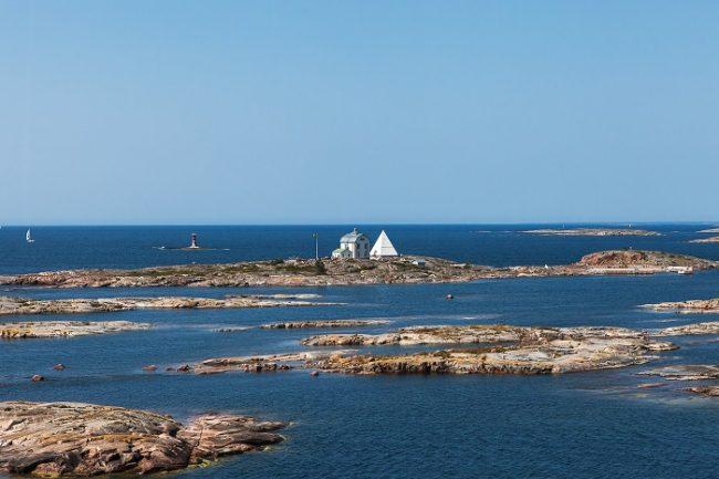 El antiguo faro de Kobba Klintar (islas Åland) hoy es un lugar muy visitado por los turistas
