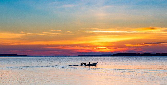 Puesta de Sol en el lago Saimaa