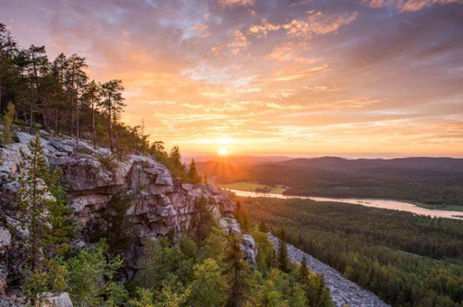 Bonito y típico atardecer en Laponia