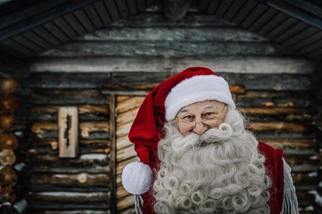 Papá Noel en su cabaña